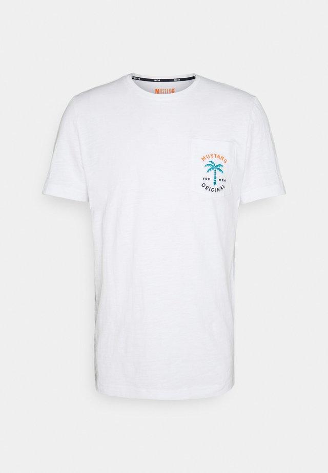 ALEX C - T-shirt con stampa - general white