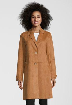 MANTEL BABICE - Short coat - clay