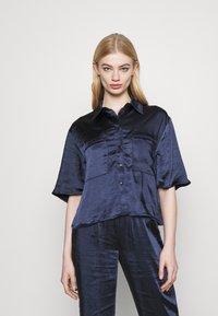 4th & Reckless - JORDANA - Button-down blouse - navy - 0