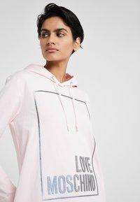 Love Moschino - Korte jurk - pink - 4