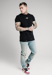 SIKSILK - Relaxed fit jeans - light blue wash - 1