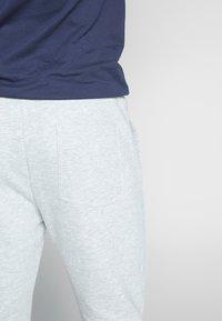 Fila - EDAN PANTS - Teplákové kalhoty - light grey melange bros - 2
