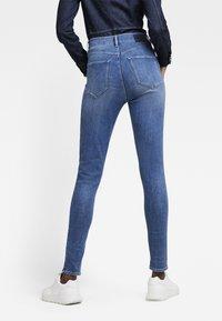 G-Star - G-STAR SHAPE HIGH SUPER SKINNY - Jeans Skinny Fit - medium aged - 2