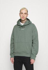 Calvin Klein Jeans - MICRO BRANDING  - Luvtröja - duck green - 0