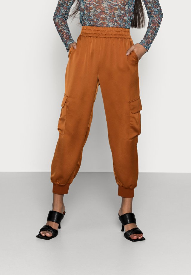 LUXE JOGGER - Trainingsbroek - the right spice
