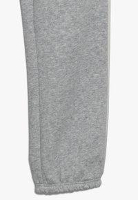 GAP - GIRL LOGO JOGGER - Pantalones deportivos - light heather grey - 2