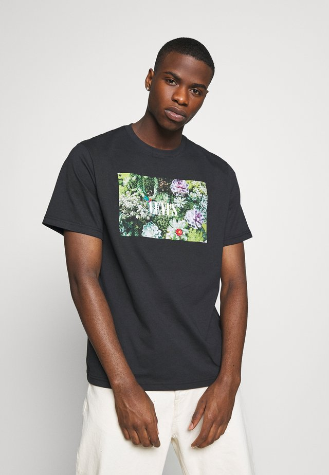 RELAXED FIT TEE - T-shirt con stampa - serif jet black