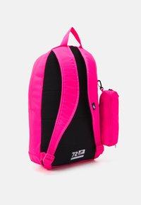 Nike Sportswear - ELEMENTAL - School set - hyper pink/viotech - 1