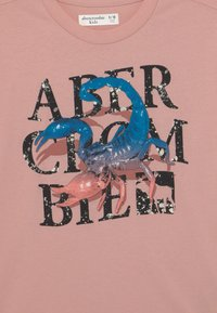Abercrombie & Fitch - LOGOTAPE  - Print T-shirt - pink - 2