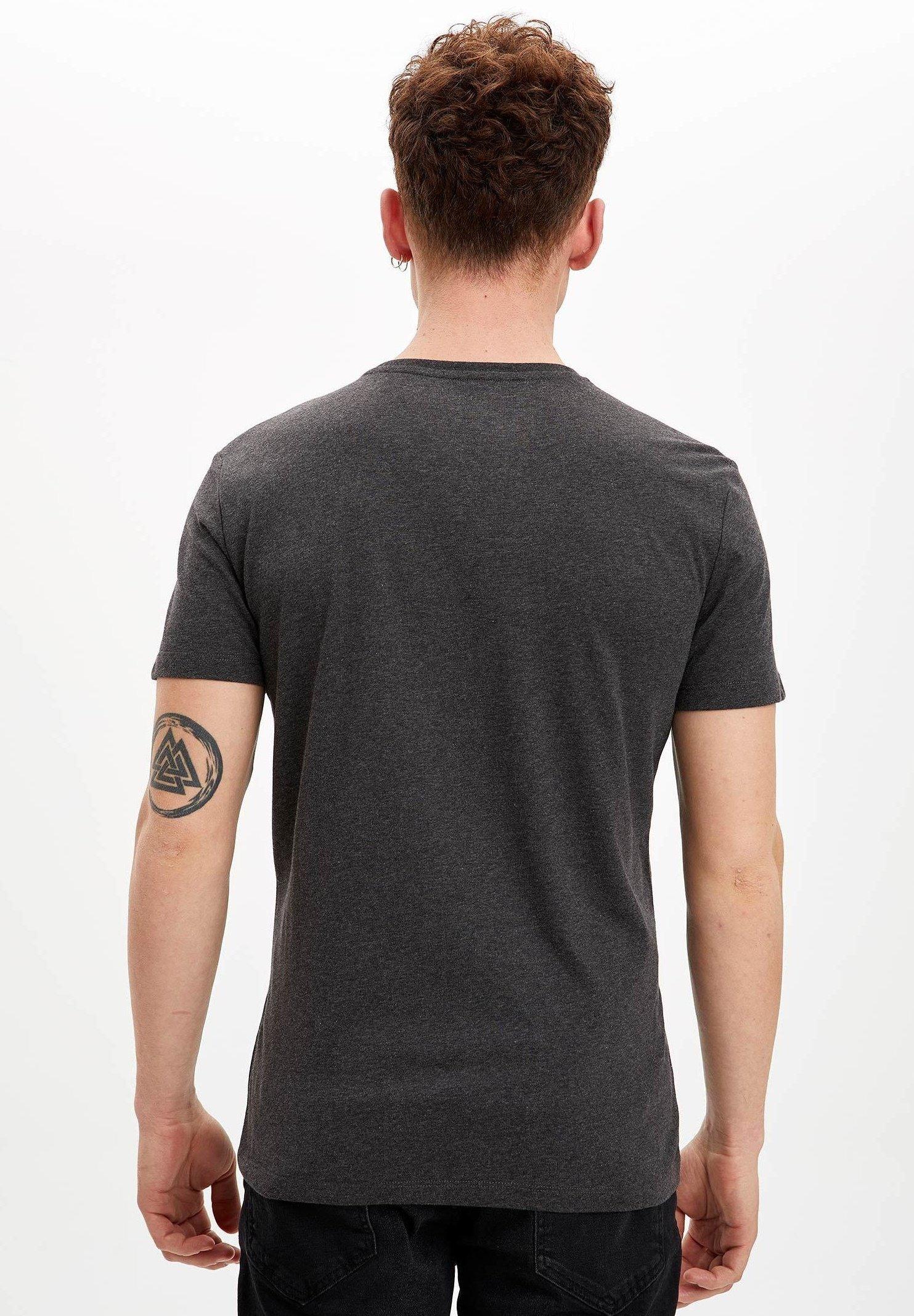 DeFacto DEFACTO  MAN  - Print T-shirt - anthracite zraRi