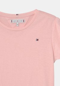 Tommy Hilfiger - ESSENTIAL RUFFLE SLEEVE - Print T-shirt - delicate pink - 2