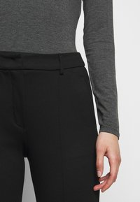 WEEKEND MaxMara - Trousers - schwarz - 4