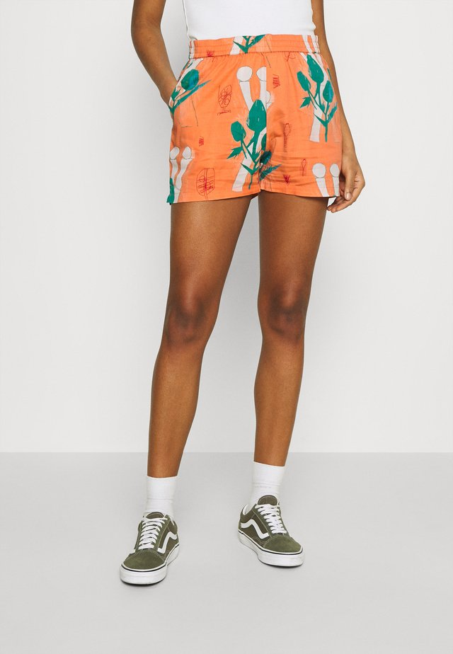 TOM KRÓL FLOWERS - Shorts - shrimp