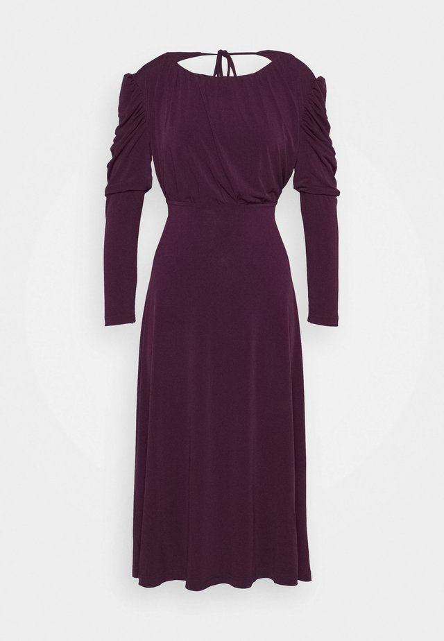 LADIES DRESS - Denní šaty - plum purple