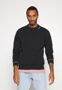Calvin Klein - NECKLINE LOGO - Sweatshirt - black - 0