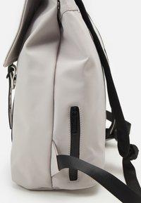 Spiral Bags - CROWN UNISEX - Mochila - white - 3