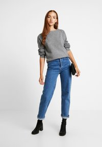 Vero Moda - VMBRILLIANT BOAT BALLOON - Jumper - medium grey melange - 1