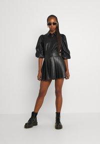 b.young - BYESONI SHIRT - Button-down blouse - black - 1