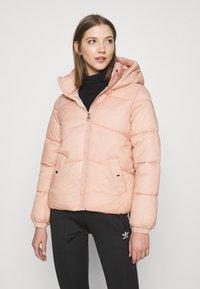 Vero Moda - VMUPSALA SHORT JACKET - Zimní bunda - mahogany rose - 0