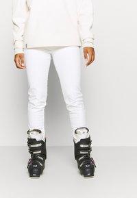 Luhta - JOENTAKA - Ski- & snowboardbukser - optic white - 0