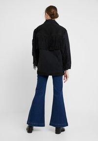 Levi's® Made & Crafted - LMC THE RANCH HANDLER - Veste en jean - black/grey - 2
