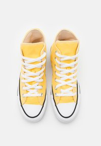 Converse - CHUCK TAYLOR ALL STAR - Höga sneakers - butter yellow - 3