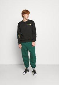 Carlo Colucci - UNISEX - Sweatshirt - black reflective - 1