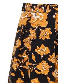 HALLHUBER - MIT BLUMENDRUCK - A-line skirt - black - 4