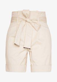 Calvin Klein - PAPER BAG WAISTED - Shorts - white smoke - 5