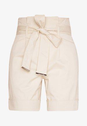 PAPER BAG WAISTED - Shorts - white smoke