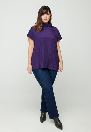 MIT BINDEDETAIL - Print T-shirt - purple