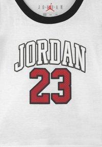Jordan - PRACTICE FLIGHT SET UNISEX - Print T-shirt - black - 3