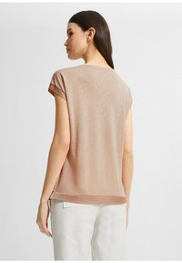 comma - Basic T-shirt - beige - 2