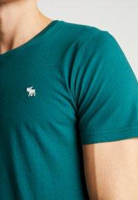 Abercrombie & Fitch - POP ICON CREW FRINGE - Camiseta básica - green - 5