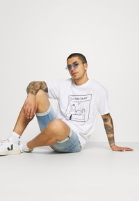 Vintage Supply - SNOOPY GRAPHIC TEE - Print T-shirt - white - 3