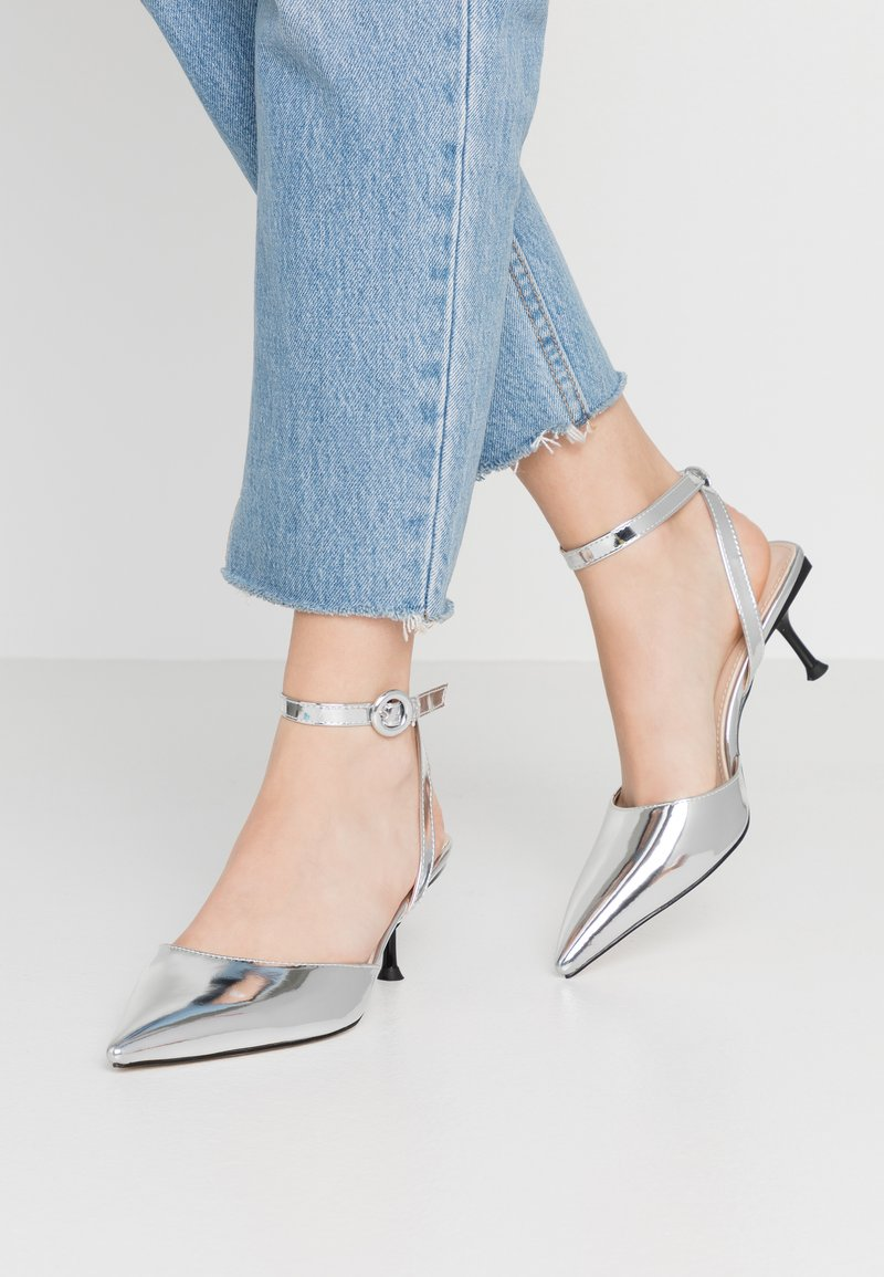 BEBO - VINCE - Klassiske pumps - silver metallic