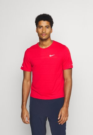 MILER  - Basic T-shirt - university red/reflective silver