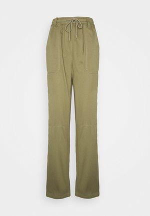 CORY SLOUCH - Trousers - khaki