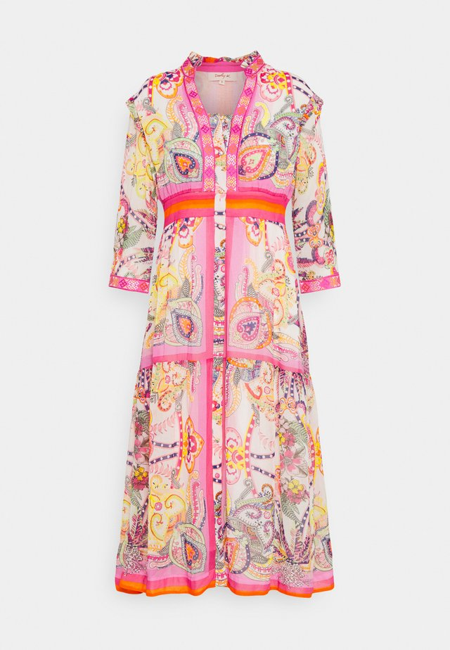 STALAD - Day dress - pink