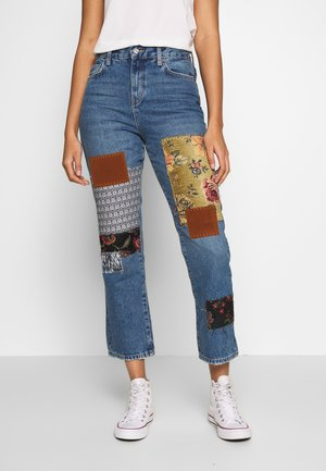 POPPY PATCH - Bootcut jeans - blue