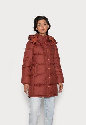 QUINN MID PUFFER - Down coat - brown