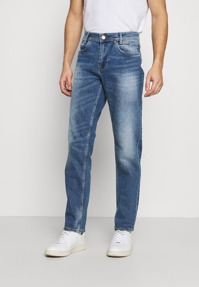 Jeans Straight Leg - light used