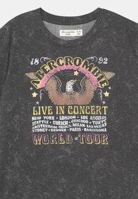 Abercrombie & Fitch - OVERSIZED LOGO - Print T-shirt - dark grey - 2