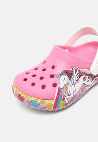 Crocs - FL UNICORN LIGHTS - Mules - pink lemonade - 6