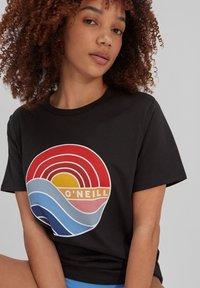 O'Neill - SUNRISE - Print T-shirt - blackout - 1