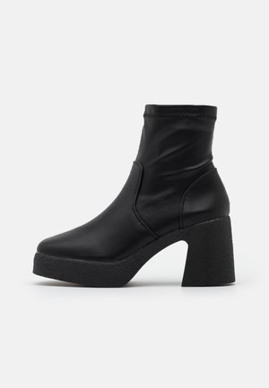 ZAZA PLATFORM BOOT - Platform ankle boots - black