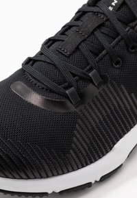 Under Armour - ENGAGE - Træningssko - black/white - 5