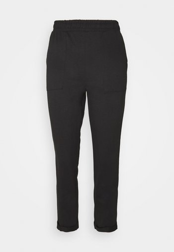 TAPERED LEG JOGGER WITH POCKET DETAIL