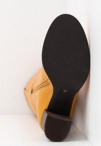 Lazamani - Vysoká obuv - yellow - 6