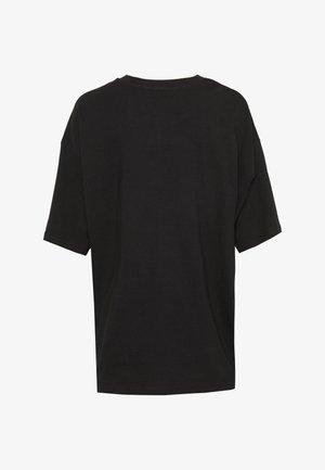 CISSI TEE  - T-shirts med print - black dark